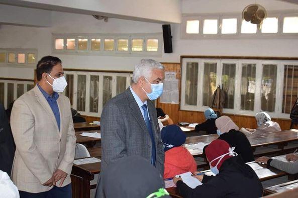 مبارك يتابع بدء امتحانات الفصل الدراسي الأول بجامعة المنوفية