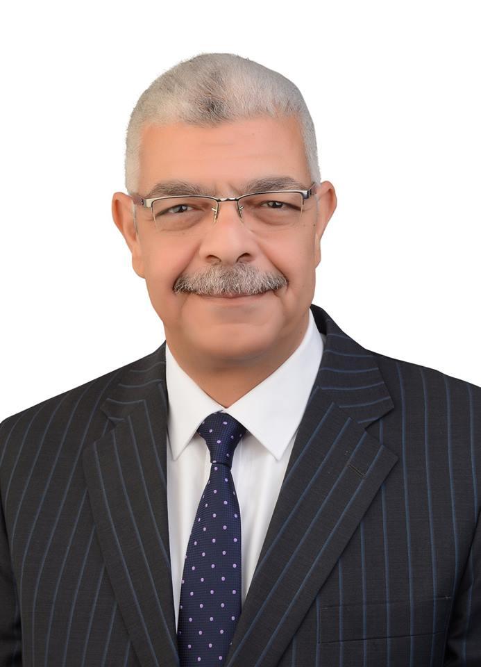 تهنـئـة  للأستاذ الدكتور/ أحـمـد فـرج القاصـد