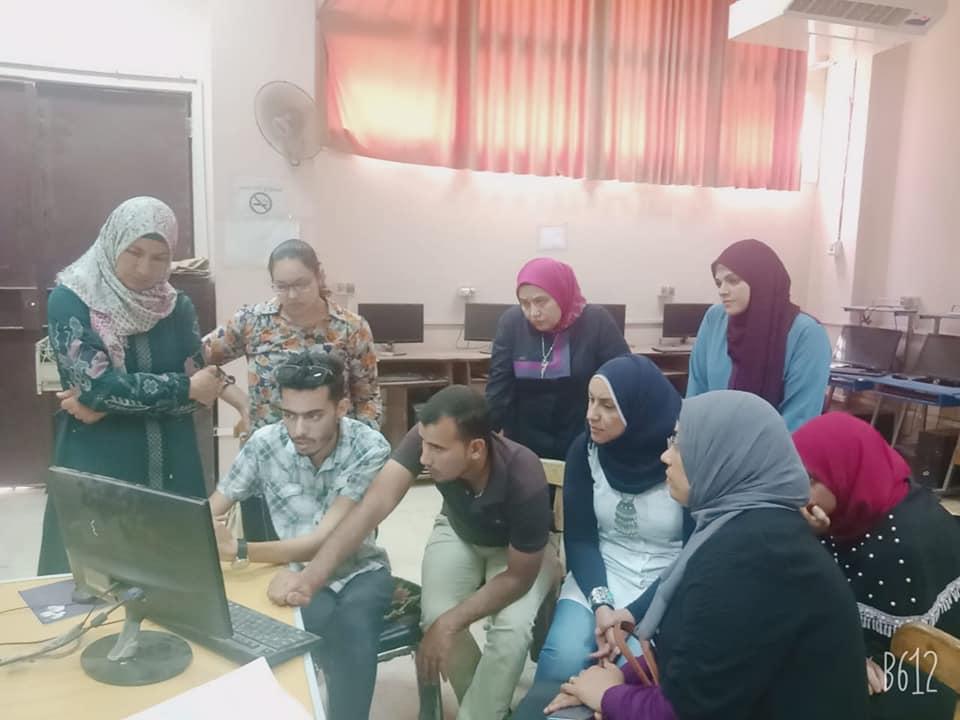 الفريق التنفيذي لوحدة القياس والتقويم يعقد ورشه تدريبية عن التصحيح الإلكتروني بالنوعية..