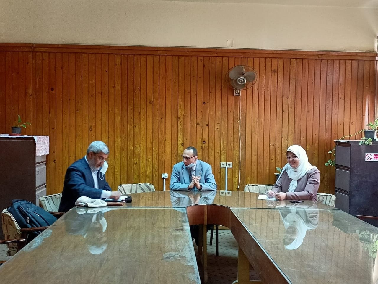 The Dean of Menouf Engineering receives the Executive Director of the El-Araby School of Applied Technology