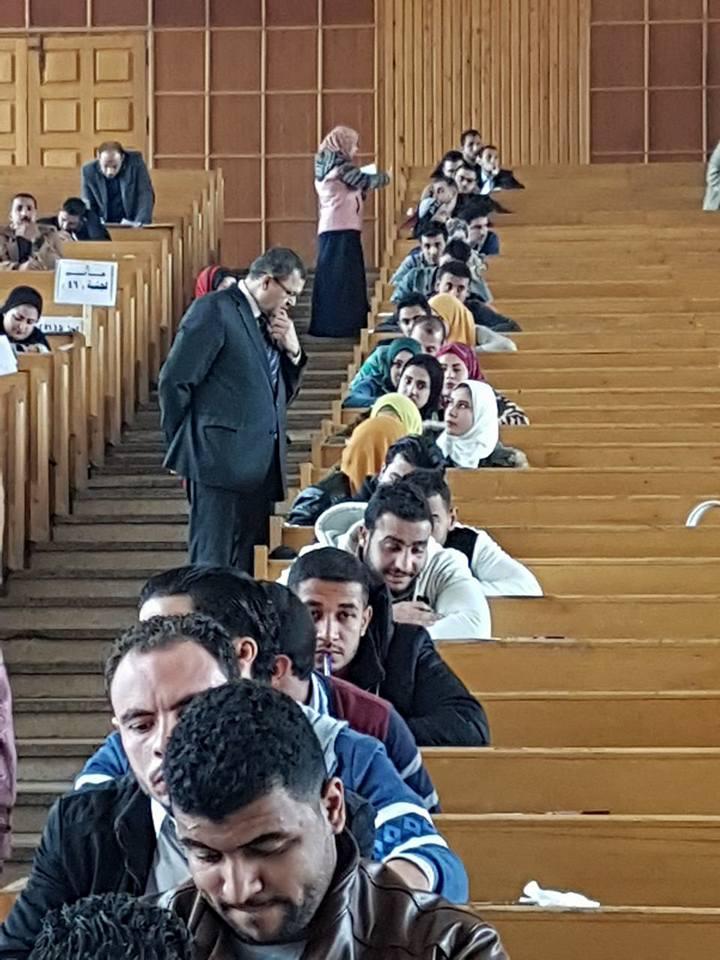 العميد يتفقد لجان العربي