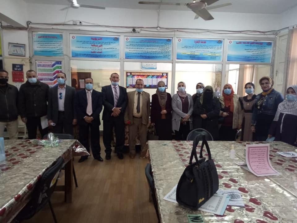 لجنة تقيم مكتبات جامعة المنوفية