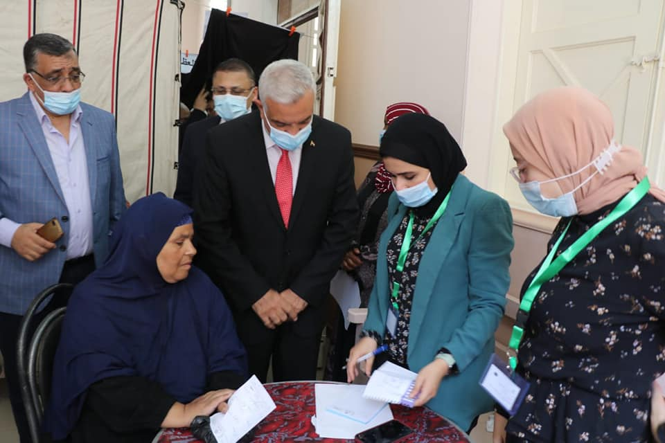 Menoufia University organizes an integrated convoy to Sob El Ahad for free screening, treatment, awareness, literacy, and teaching of lowercase letters
