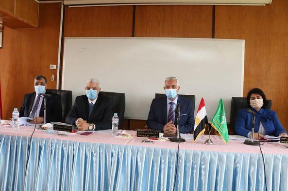 مجلس جامعة المنوفية يعقد جلسته بالمبنى الإدارى بمزرعة الراهب