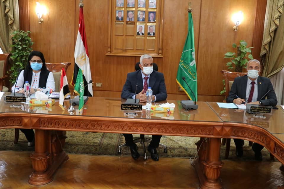 President of The University of Menoufia holds the program committee for the Faculty of Arts