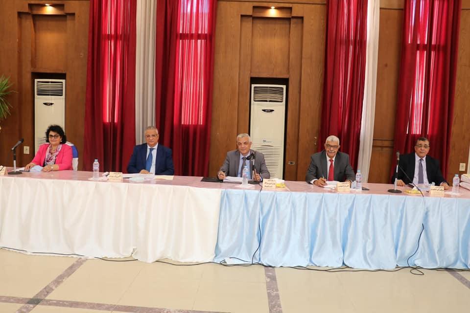 مجلس جامعة المنوفية يؤكد على عدم زيادة المصروفات الدراسية للعام الدراسى الجديد