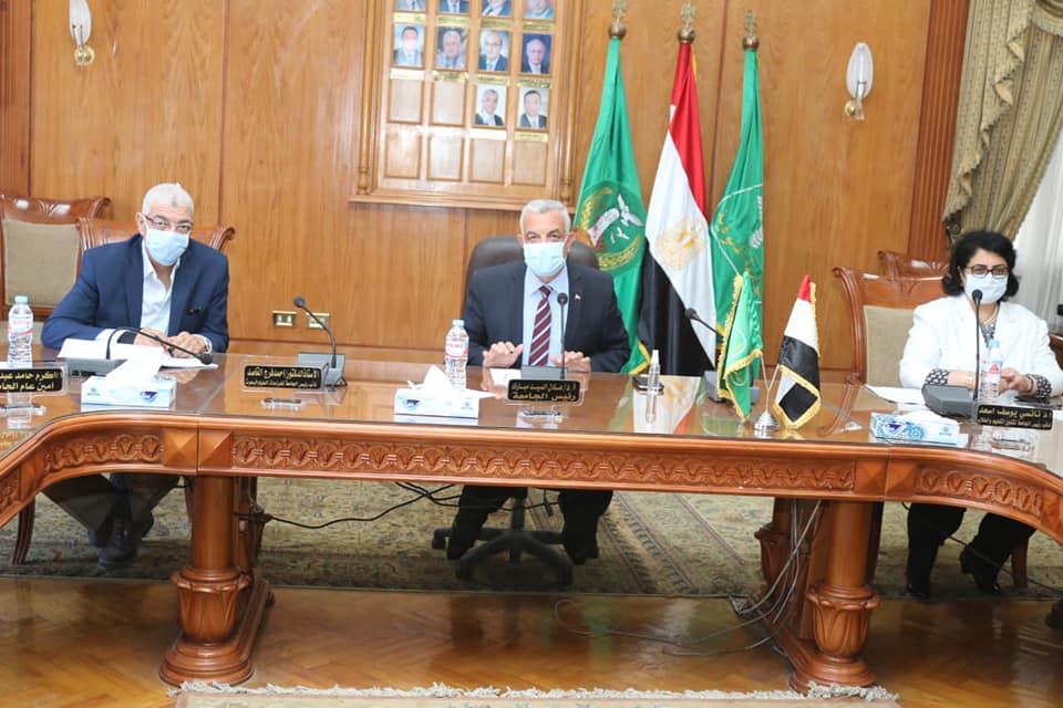 مبارك يتابع أعمال لجنة منشآت جامعة المنوفية