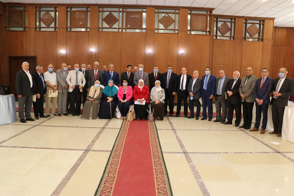 مجلس جامعة المنوفية يكرم الصباغ وأبو الخير لانتهاء فترة العمادة