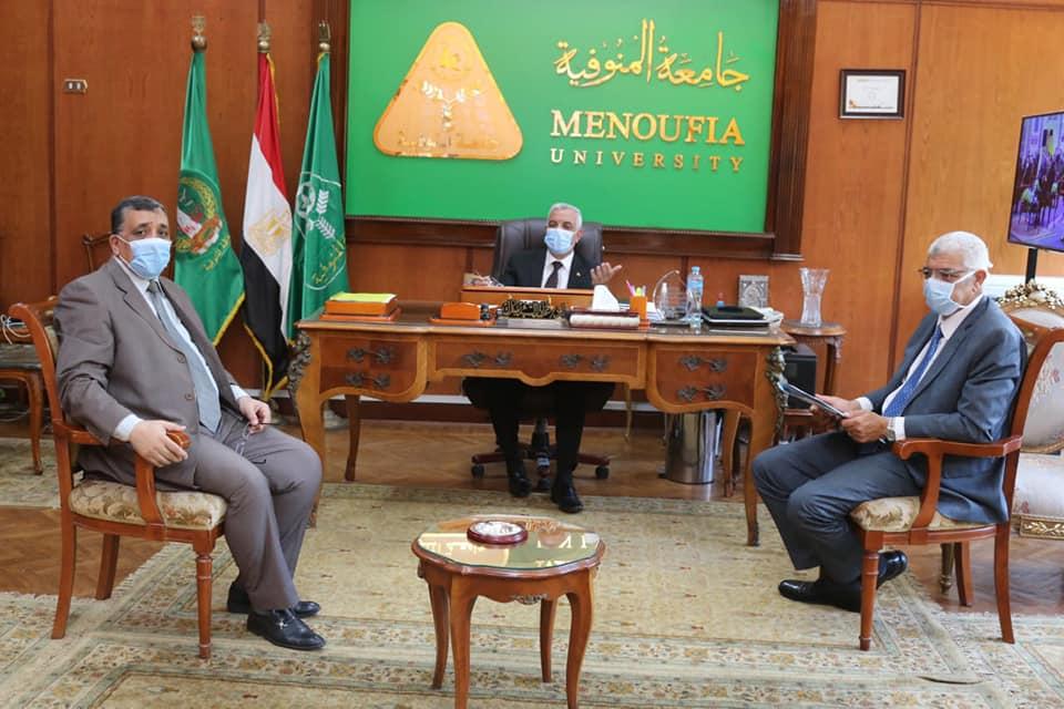 رئيس جامعة المنوفية يتابع أعمال المركز الدولى لتنمية قدرات أعضاء هيئة التدريس