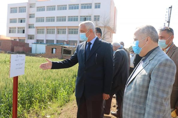 The rector of the University of Menoufia checks the production units and renovations of the Alraheb farm.