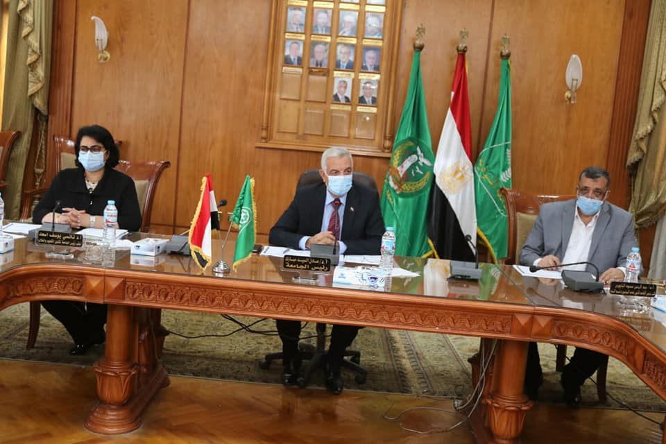 Menoufia University Facilities Committee continues its work headed by Mubarak