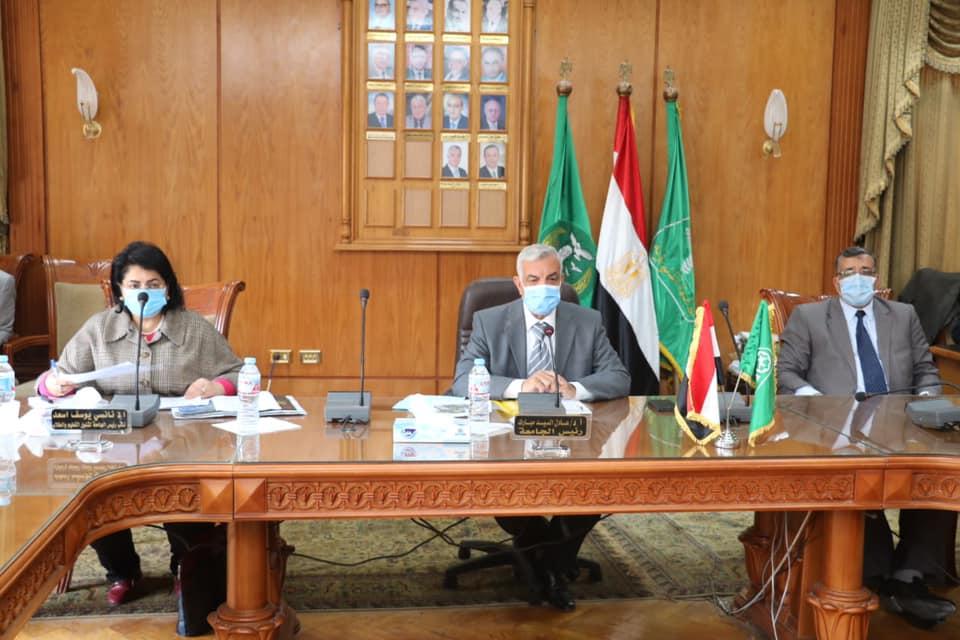 مبارك يعقد اجتماعا لوضع مقترح البرامج والكليات بجامعة المنوفية الأهلية