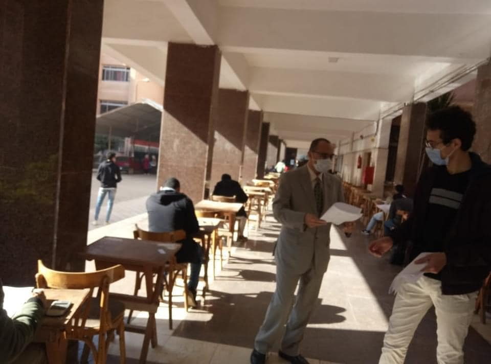 Dean of Electronic Engineering inspects the mid-term exams for the first semester