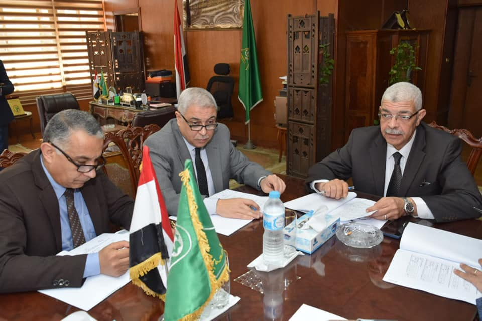 القاصد يرأس إجتماع اللجنة التاسعة لقبول الهدايا والتبرعات بجامعة المنوفية