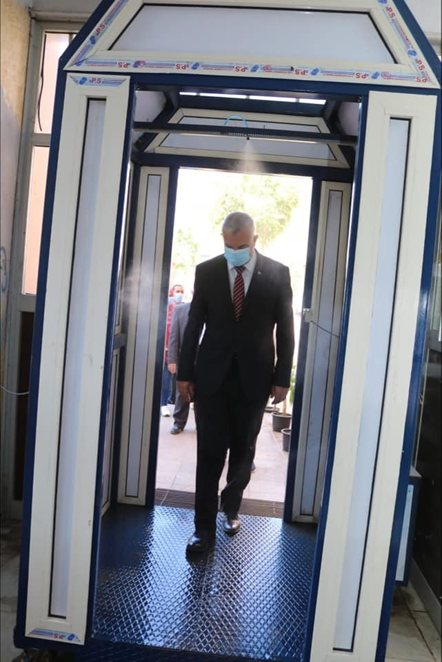 The President of the University of Menoufia completes his inspection tour of the second term examination committees of the colleges of education, agriculture and home economy