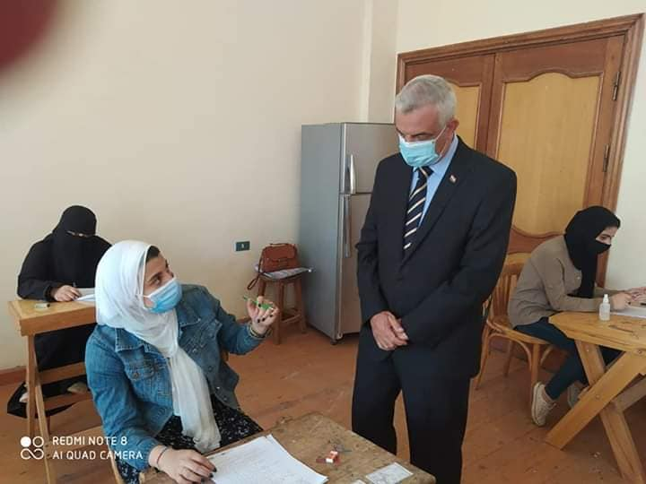 The President of Menoufiya University inspects the final examinations of the fourth group in the Faculty of Specific Education