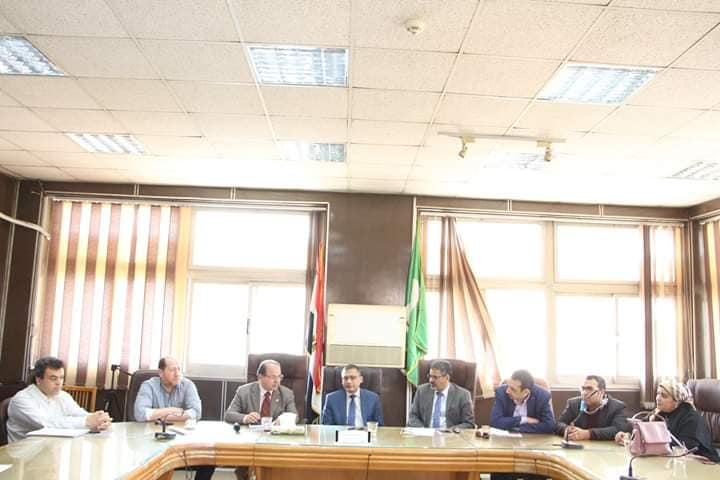 Faculty of Medicine  holds a Coordination Meeting between Medical Service Providers in the Governorate to Monitor the Suspected Cases.