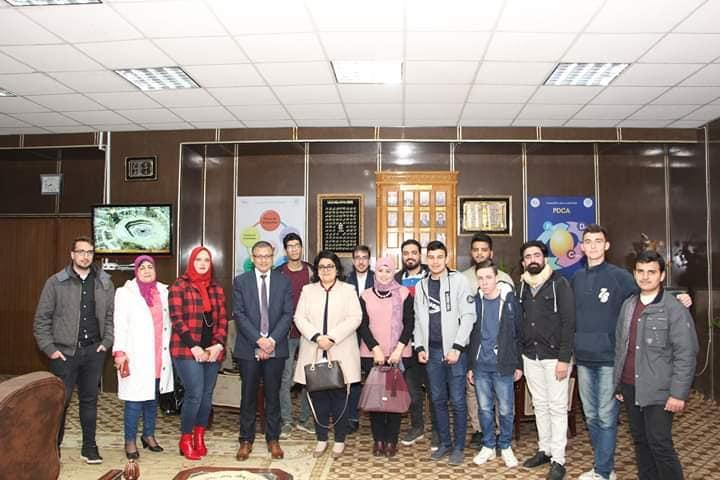 نائب رئيس جامعة المنوفية للتعليم والطلاب تلتقي الطلاب الوافدين بكلية الطب